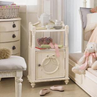Emma&#39;s Treasures Cabinet Nightstand