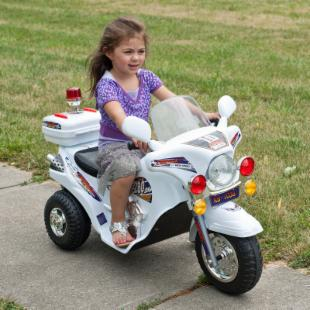 Lil Rider White Lightning Police Cruiser Battery Operated Motorcycle Riding Toy