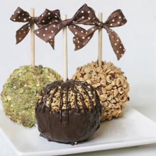 Golden Edibles 3 Chocolate and Nuts Caramel Apples