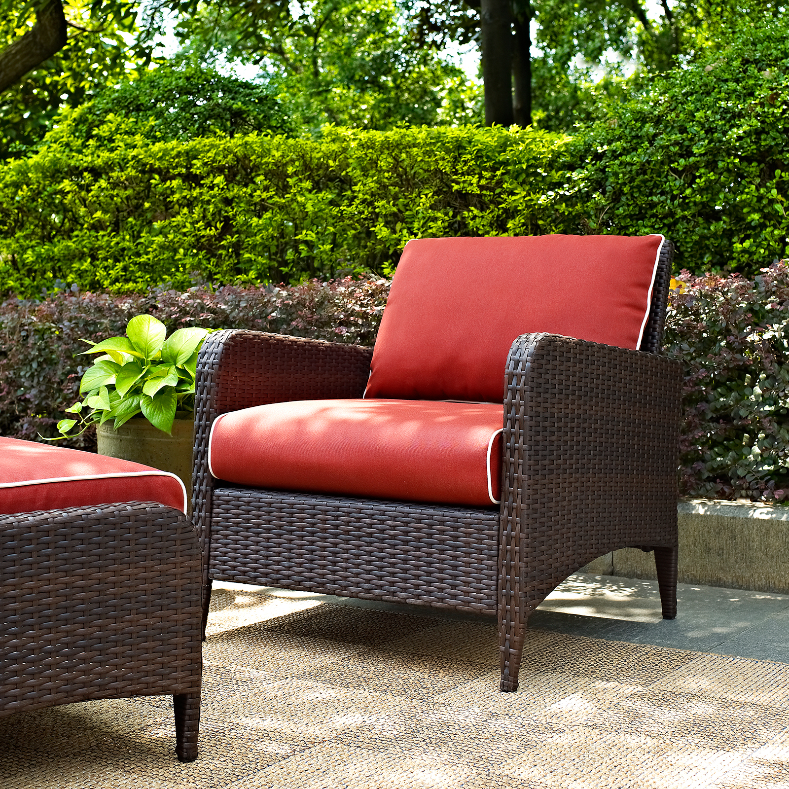 Outdoor Lounge Furniture Masters   Outdoor Wicker Arm Chair with Sangria  Cushions Outdoor Lounge Chairs. Outdoor Lounge Furniture Masters 19046046   Ongek net