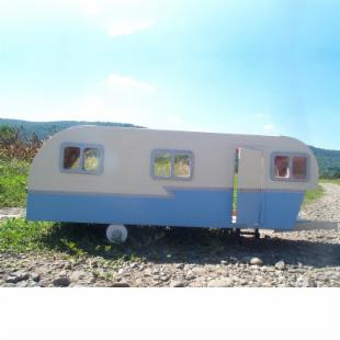 Greenleaf Vintage Travel Trailer Kit - 1 Inch Scale