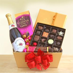 Godiva&#39;s Valentine&#39;s Heart&#39;s Desire Gift Basket