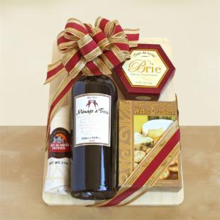 Toast of California Wine & Cheeseboard Gift Basket