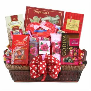Be Mine Spa &amp; Chocolate Valentine Gift Basket