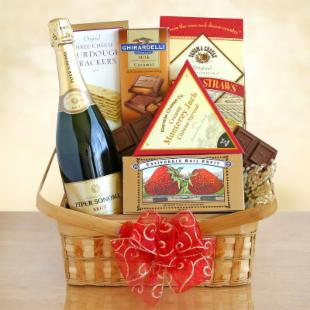 Valentine Sparkling Picnic Basket for Two