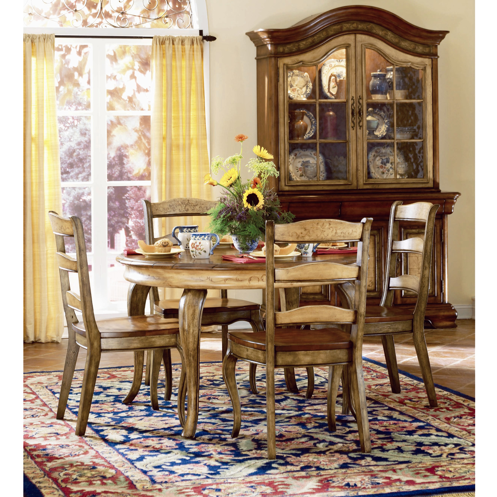 French Country Dining Room Furniture: Hooker Furniture Vineyard 5 Piece Round Dining Table Set