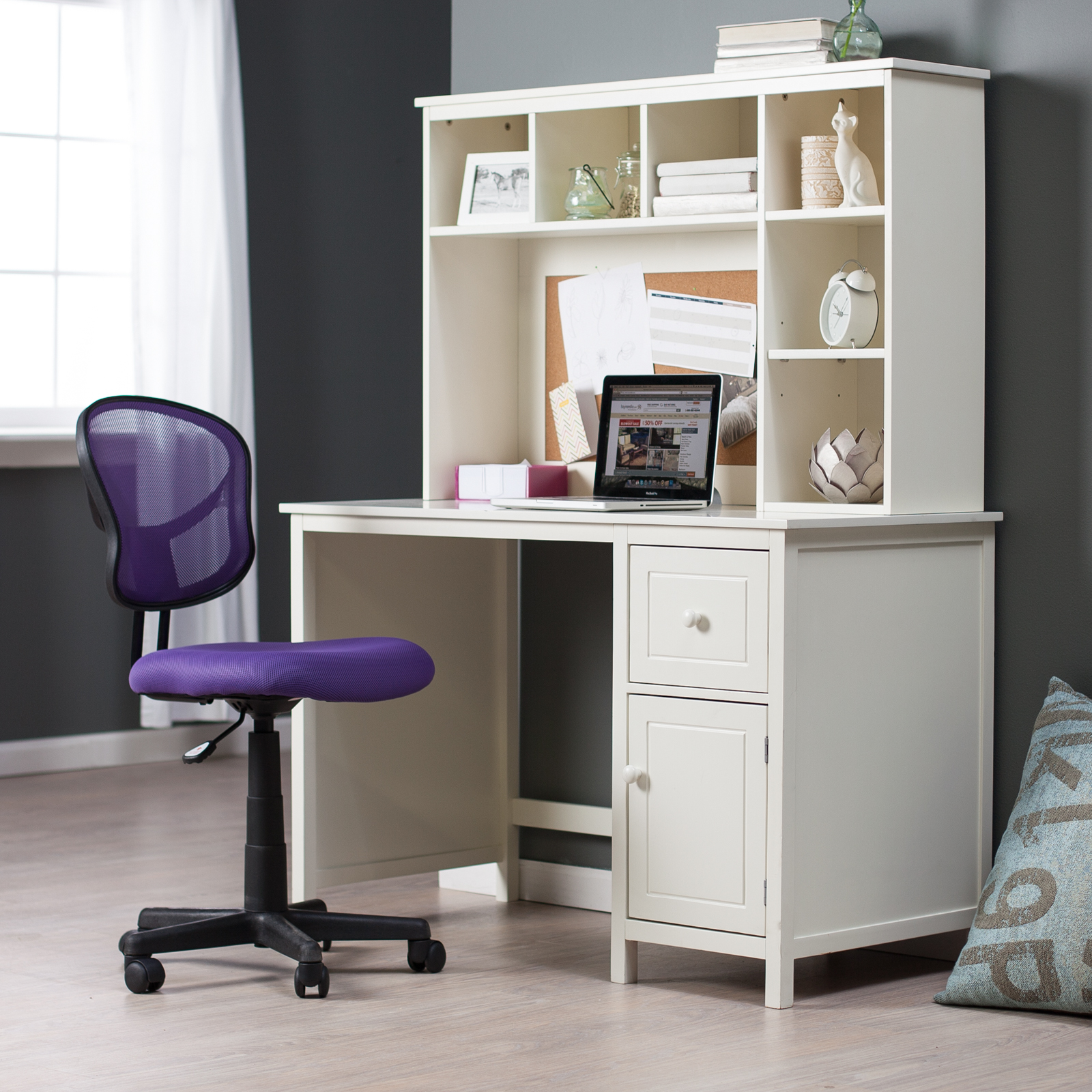 Corner Computer Desks with Hutch for Small Spaces 1600 x 1600