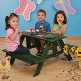 KidKraft Kids Picnic Table