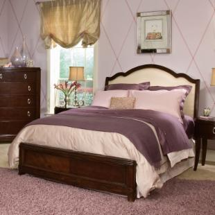 Glamour Girl Hollywood Upholstered Bed
