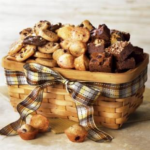 Mrs. Fields® Dads Deluxe Gift Basket