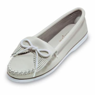 Minnetonka Womens Kilty Unbeaded Moccasin