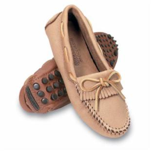 Minnetonka Womens Deerskin Driving Moccasins