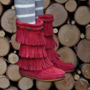Minnetonka Childrens 3-Layer Fringe Boot - Hot Pink