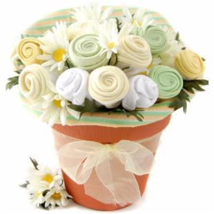 Nikki&#39;s Baby Blossom Clothing Gift Bouquet - Neutral