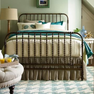 Paula Deen River House The Guest Room Bed River Bank