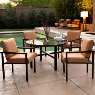Salona Patio Dining Set by Joe Ruggiero - Seats 4