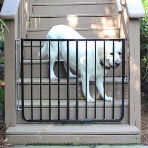 Cardinal Gates Adjustable Width Outdoor Safety Gate
