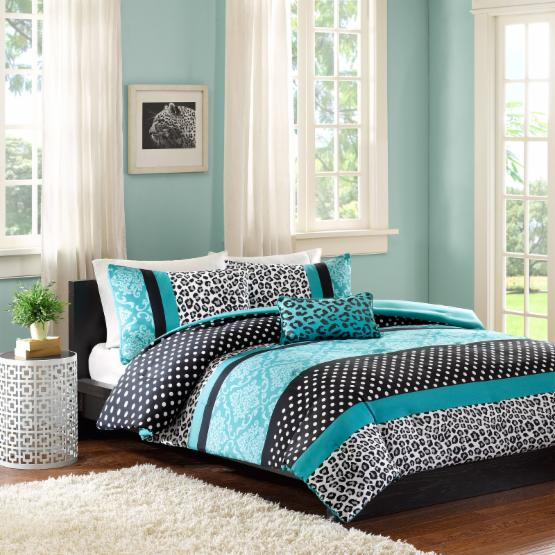 Camille Coverlet Set by MiZone