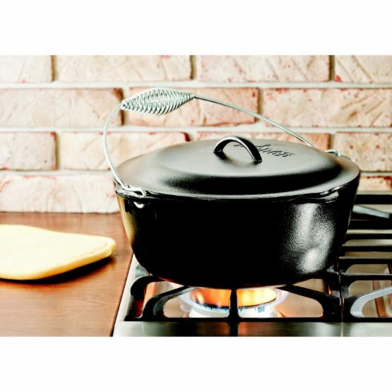 Lodge Logic Dutch Oven with Spiral Bail and Iron Cover
