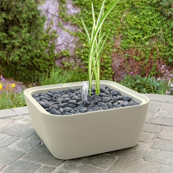 Akro-Mils Garden 365 24 in. Square Water Planter