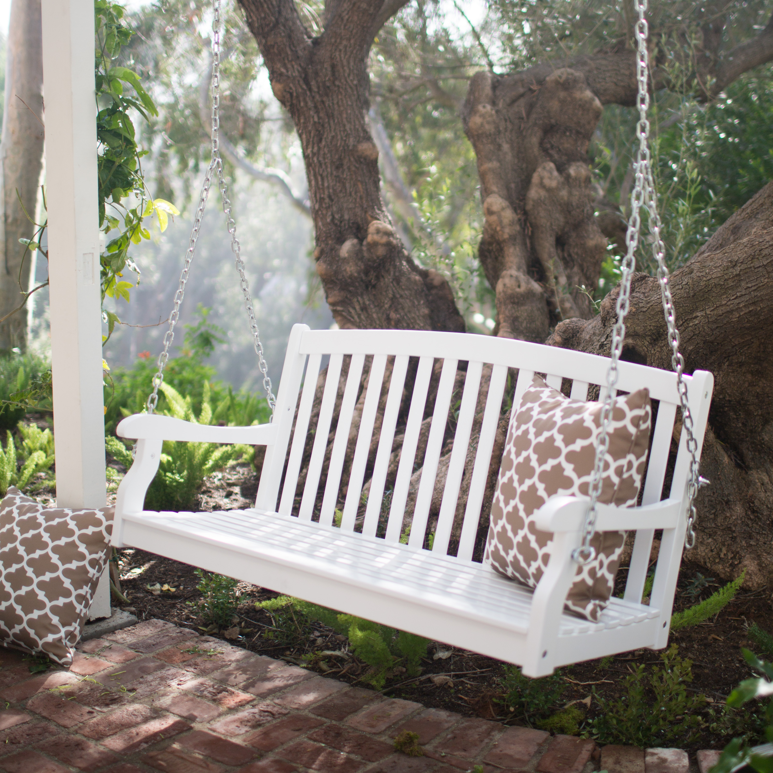Beautiful Coral Coast Pleasant Bay White Curved Back Porch Swing With Optional  Cushion | Hayneedle