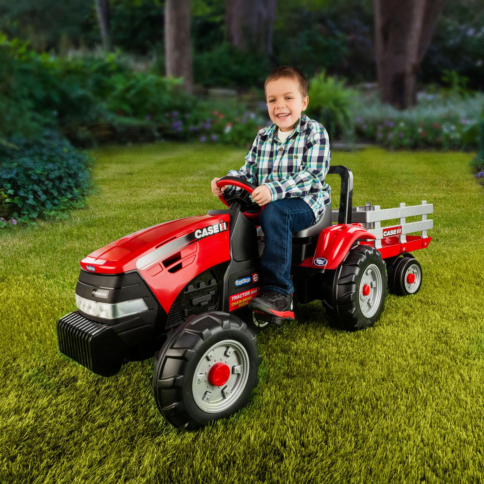 Peg-Perego Case IH Tractor & Trailer Pedal Riding Toy - I...