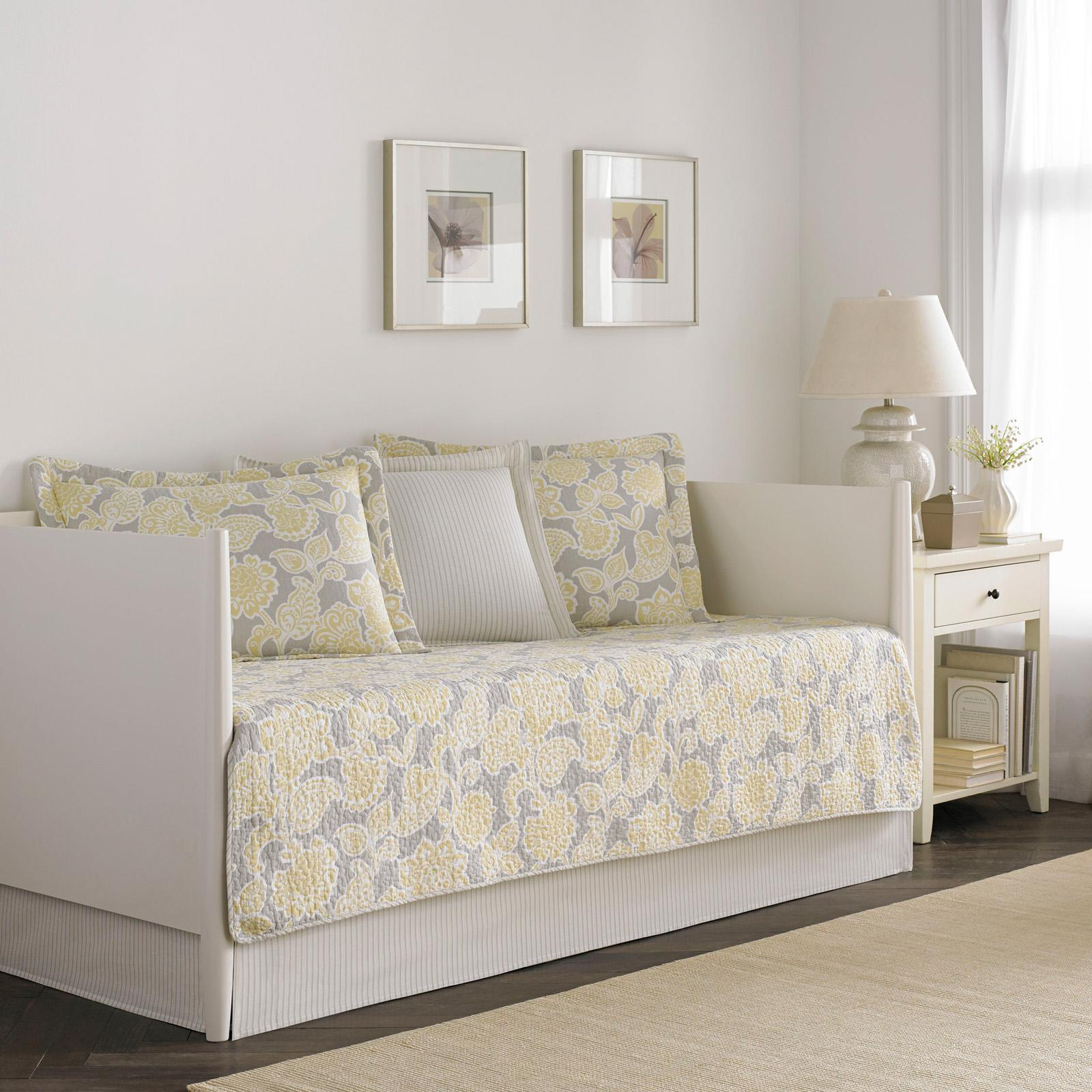 Joy Daybed Bedding Set by Laura Ashley