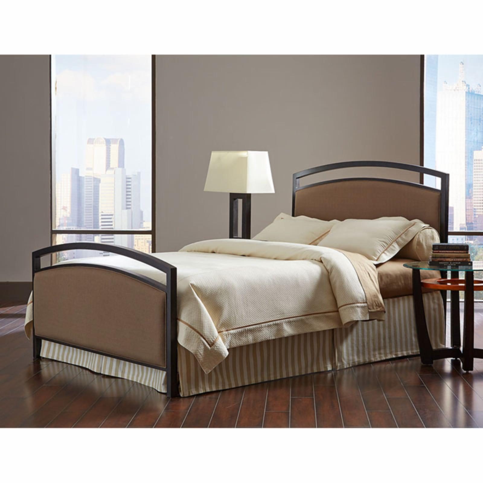 Fashion Bed Group Gibson Panel Bed - B71616