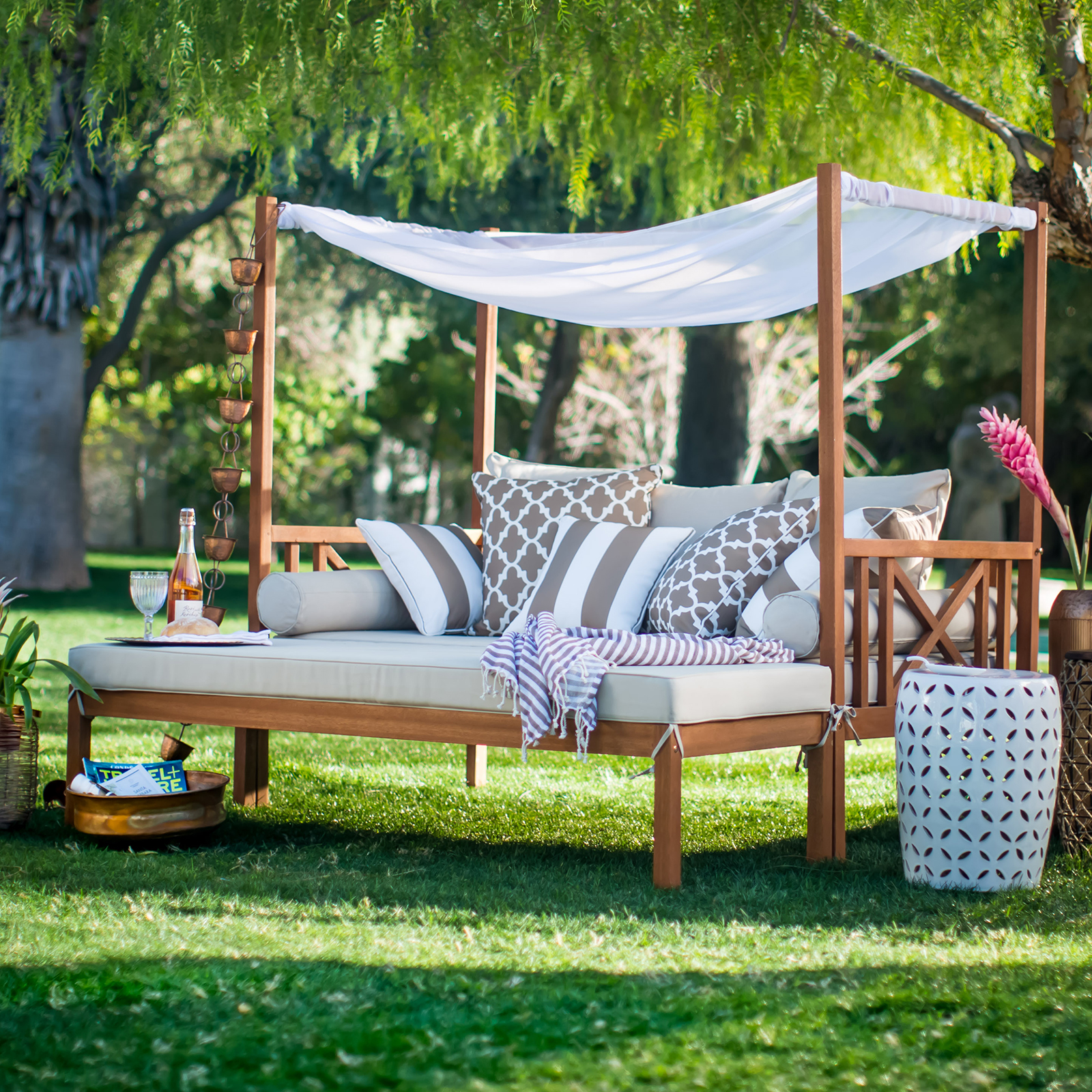 Harmonia Living Wink Canopy Daybed
